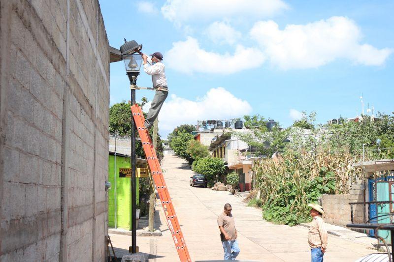 Inicio de Reparación de Alumbrado Público en la Cabecera Municipal de Luvianos