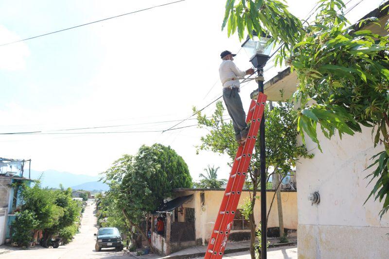 Rehabilitación de Alumbrado Público en la Cabecera Municipal
