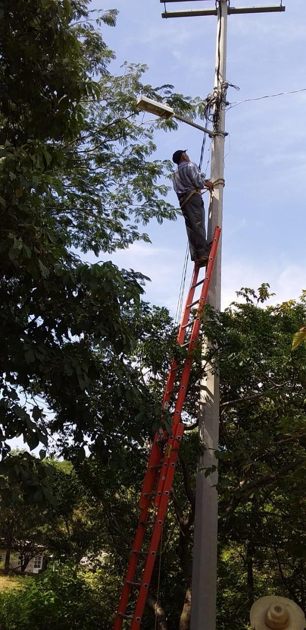 Rehabilitación de Alumbrado Público en La Mesa y Capire de Acatitlán