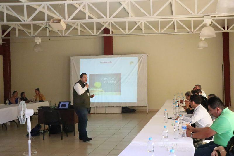 Capacitación a servidoras y servidores públicos del Ayuntamiento de Luvianos.