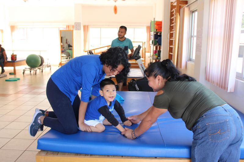 Atención a los Luvianenses con Terapia Física