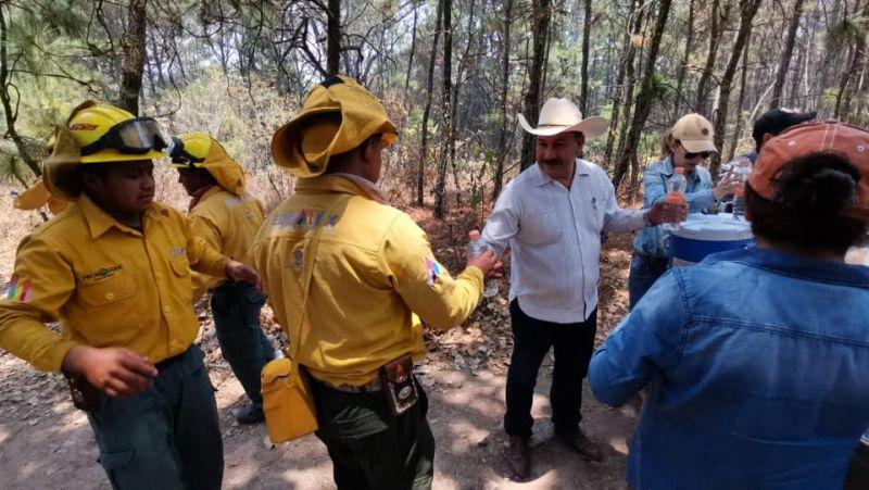 Entrega de Agua y Comida a Las Brigadas En Apoyo de Combate de Incendios Forestales