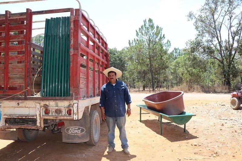 Entrega de Corrales de Manejo a Agricultores Luvianenses.