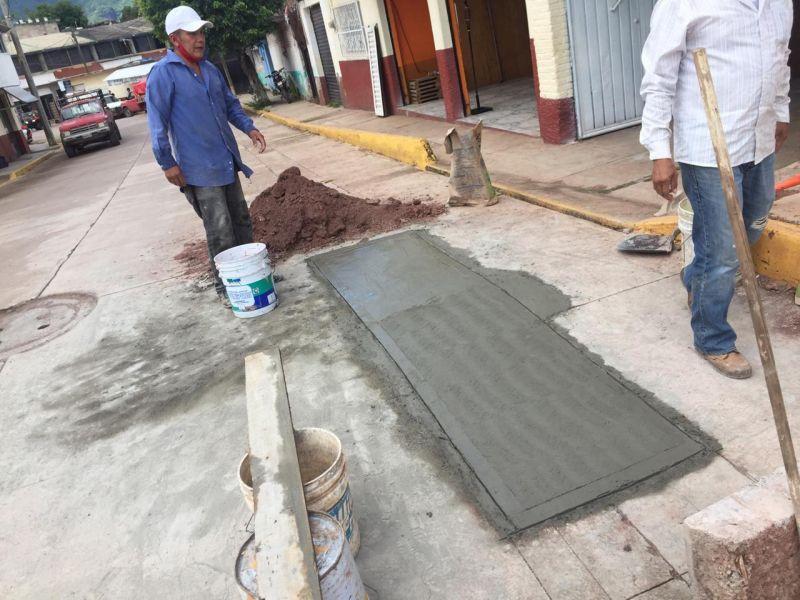 Bacheo en Las Calles de la Cabecera Municipal en Luvianos