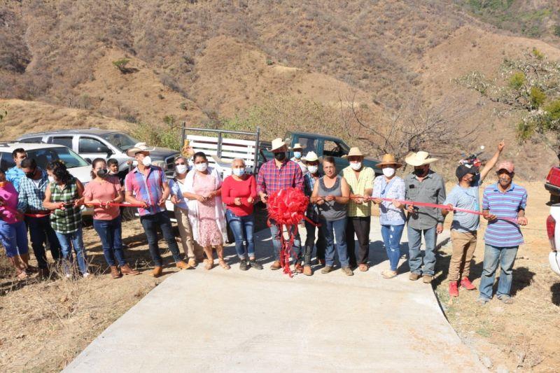 Inauguración de Obra en la Comunidad de Hormigueros