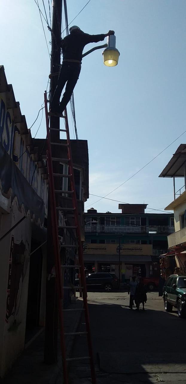 Rehabilitación de Alumbrado Público en Cabecera Municipal